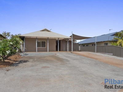 Property for sale in Baynton