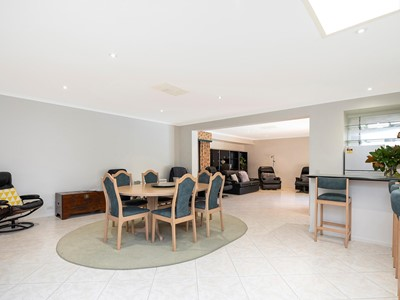 Property for sale in Karrinyup : Dempsey Real Estate