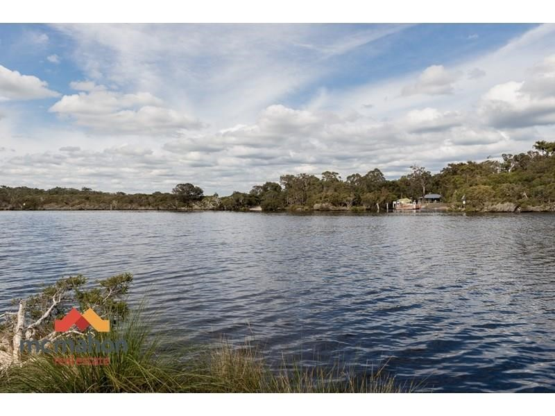 Property for sale in Molloy Island : McMahon Real Estate