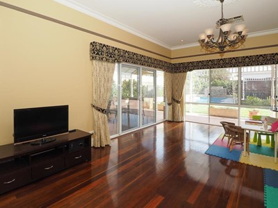 Property for rent in Bedford : Abel Property