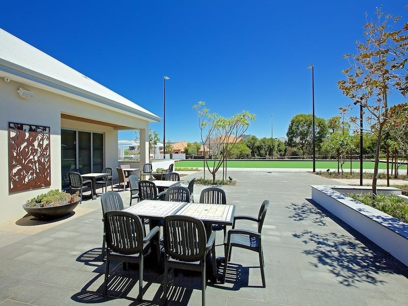 Property available now in Salter Point : Seniors Own Real Estate