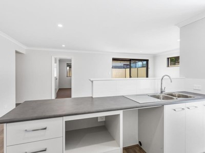 View Property - 45A Cross Street, Queens Park, Queens Park