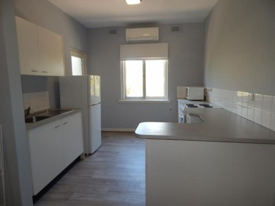 GREAT SIZED APARTMENT- VERY CLOSE TO BEACH