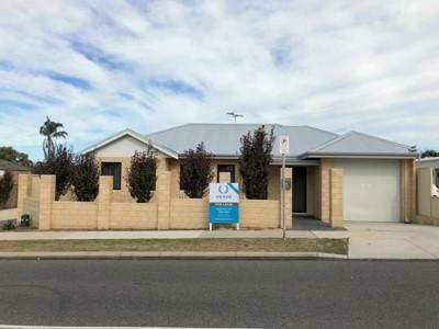 Propertyfor rent in St James