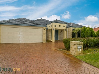 38 Oakhill Drive, Canning Vale