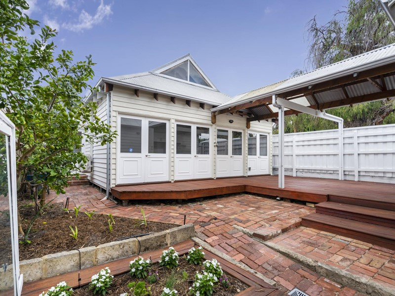 Property for rent in Shenton Park
