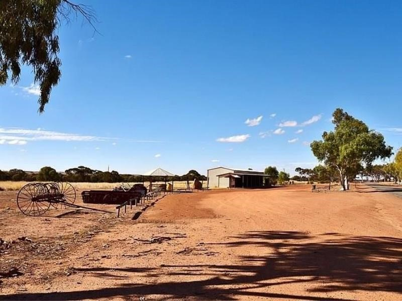 Property for sale in Yelbeni : McMahon Real Estate