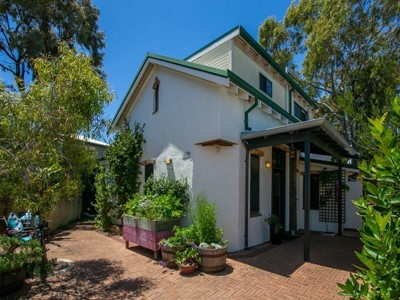 Property for sale in White Gum Valley : Mark Brophy Estate Agent