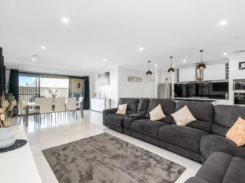 Property for sale in Caversham