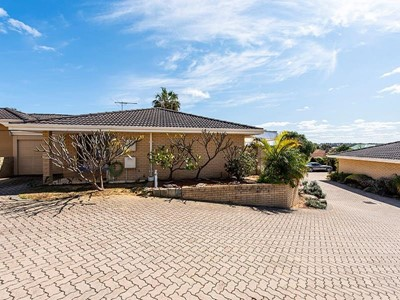 Property for sale in Spearwood : Mark Brophy Estate Agent