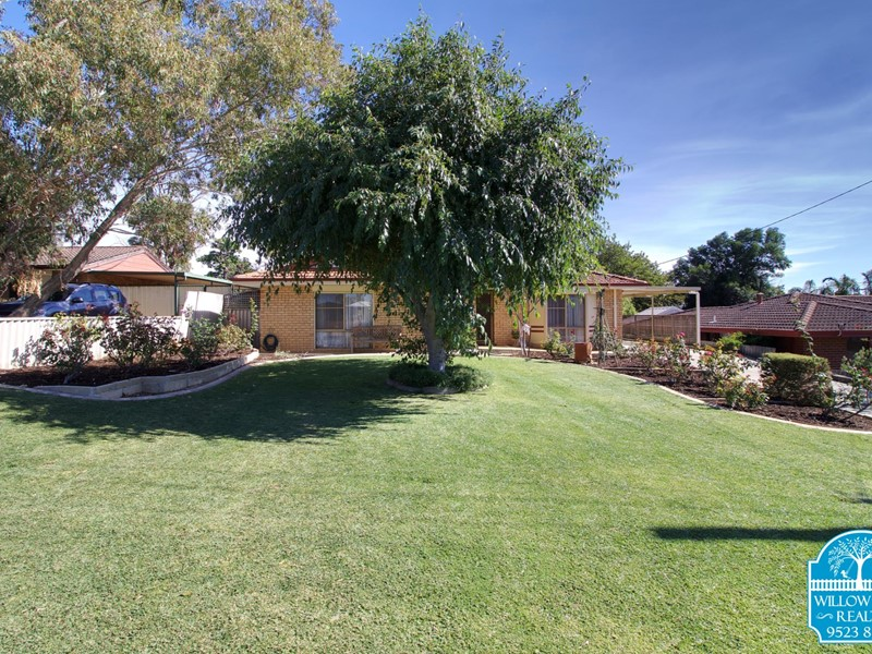 Property for sale in Medina : Willow Tree Realty