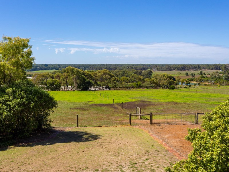 Property for sale in Cowaramup