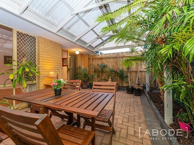 Property for sale in Hamilton Hill : Abode Real Estate