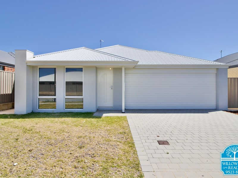 Property for sale in Karnup : Willow Tree Realty