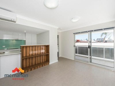 Property for sale in North Perth : McMahon Real Estate