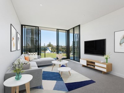 403/8 The Grandstand, Claremont