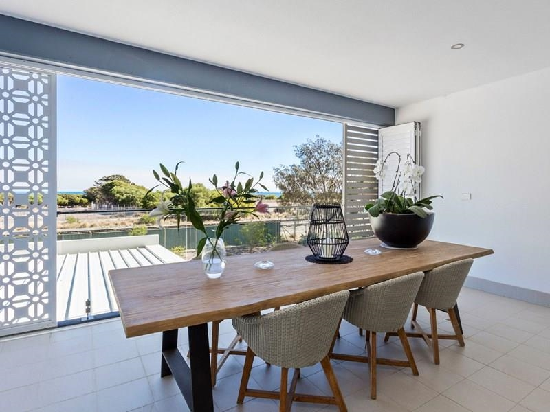 Property for rent in North Coogee : Property Gallery