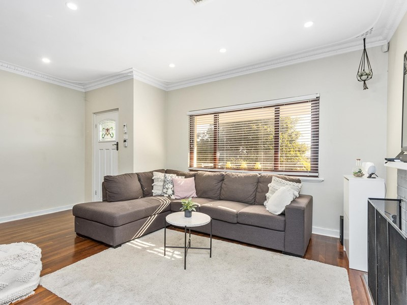 Property for sale in Scarborough : Passmore Real Estate